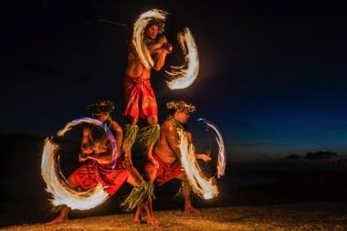 Hawaiianische-Hula-Taenzer