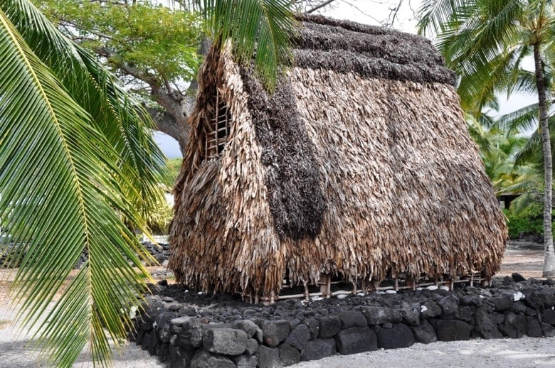 Traditionelles hawaiianisches Haus im National Historic Park